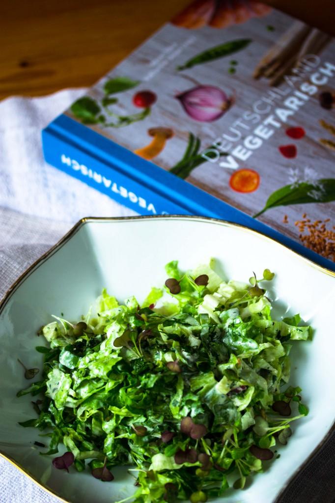 Salat mit Kondensmilch