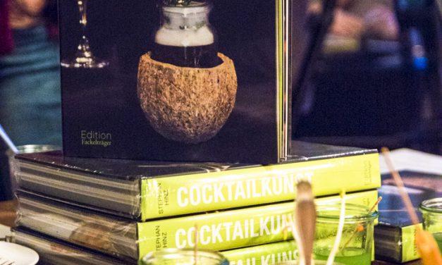 Austrinken!<br/>Stephan Hinz schreibt ein bemerkenswertes Buch über die Zukunft der Bar