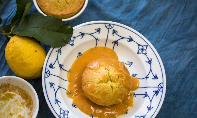 Warme kleine Limettenkuchen mit einer Creme aus Blutorangen und Amalfi Zitronen
