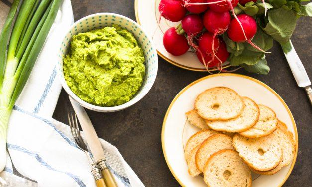 Lasst uns ein Picknick machen und grünen Hummus mitnehmen!