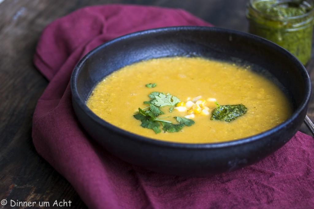 Seidige Maiscremesuppe mit Walnuss-Koriander-Zitronen Pesto (1 von 1)-4