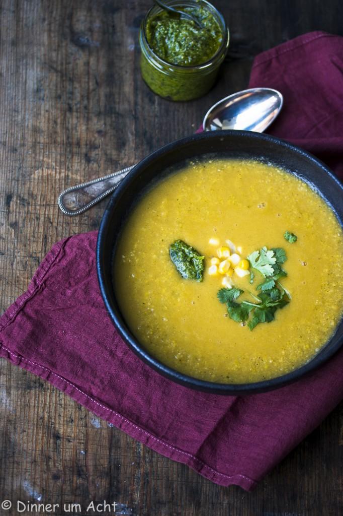 Seidige Maiscremesuppe mit Walnuss-Koriander-Zitronen Pesto (1 von 1)
