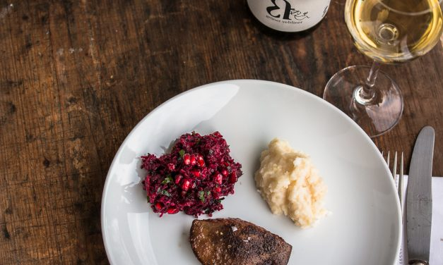 Rotkohl – Rote Bete – Apfel Salat mit Rehleber und Schwarzwurzel Püree