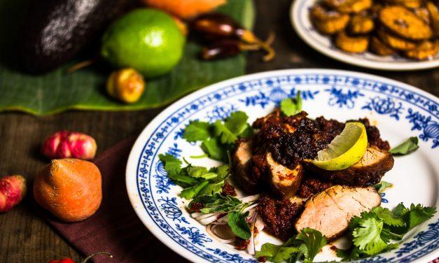 Ein Kochbuch über die berauschende Küche Mexikos und ein Schwein in Agavensirup mit Chili