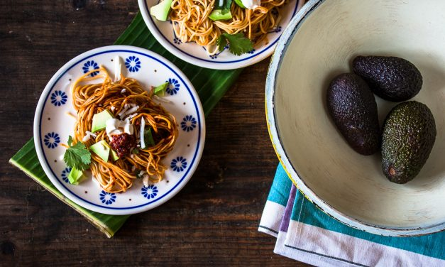 Eintauchen in die Welt der Chilis und der mexikanischen Antojitos <br/> mit Nudeln in einer aromatischen Salsa aus drei verschiedenen Chilis
