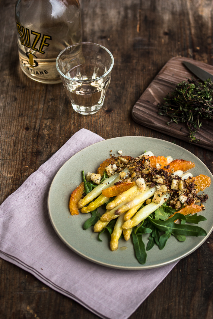 Spargel mit Olivenbröseln-4