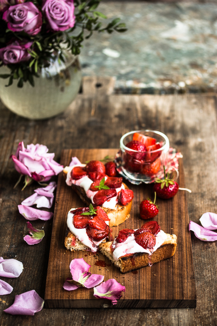 roasted strawberries on rose ricotta-4