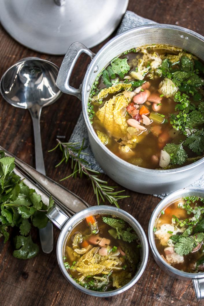 wirsing-speck-suppe-mit-koriander-4