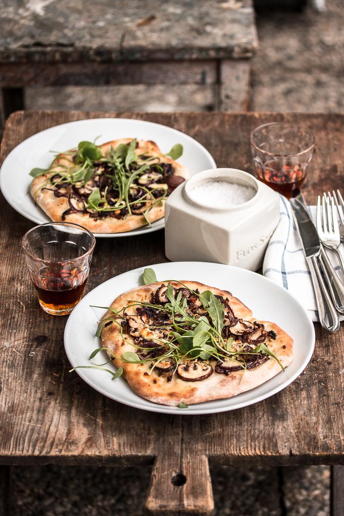 Pizza bianco mit Lardo und Pilzen-4