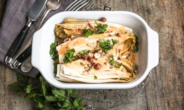 Da haben wir den Salat – Chicorée aus dem Ofen mit Haselnüssen und Miso