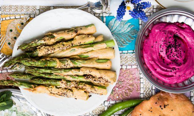 Airfryer* goes India! – Grüner Spargel im Curryteig mit Koriander-Minzjoghurt und Rote Bete Hummus