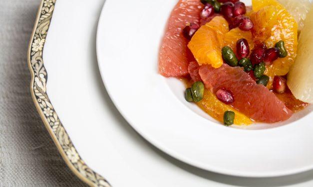 Citrus pur! Pomelo-Blutorangensalat mit Orangenblütenwasser,Kardamom und Pistazien