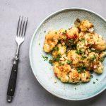 Blumenkohl mit Honig-Soja-Hoisin Sauce und Pinienkernen
