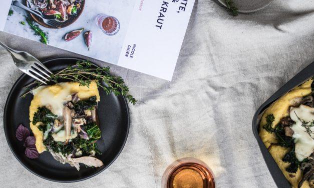 Polenta mit Brillat-Savarin, Grünkohl, Pilzen und Birne aus Nicole Gigers neuem Kochbuch: Ferrante, Frisch und Fenchelkraut