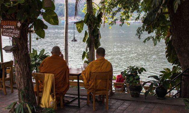 Die Stille des Augenblicks –  Luang Prabang, kurz bevor die Grenze geschlossen wurde