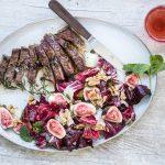 Steak mit Rosmarin-Kapernbutter dazu Radicchio-Salat mit Feigen und Minze