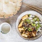 Schnelle Veggie Bowl mit Spargel, Edamame und Austernpilzen