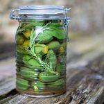 Eingelegte grüne Mandeln